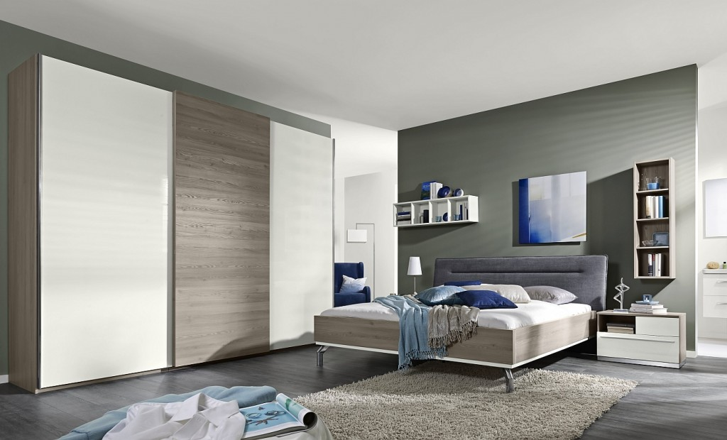 Loddenkemper-bedrooms_dream_kodiak larch-high gloss alpina white-blue 45-07-AM